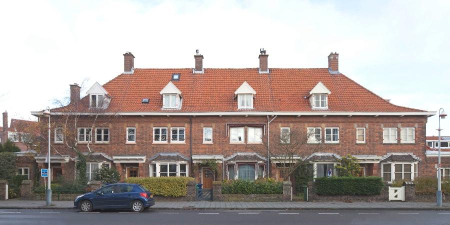Meneer helderder het rijtjeshuis over de vele variaties op dit oer hollandse type - Rijtjeshuis fotos ...